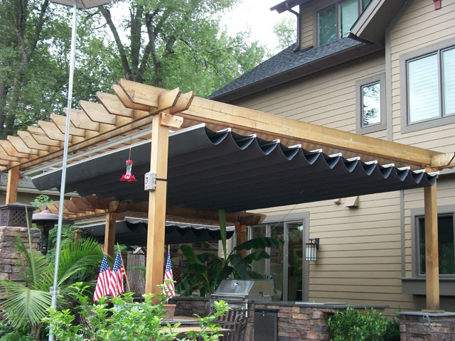 Pergola and Canopy awnings for your backyard in Davenport ...